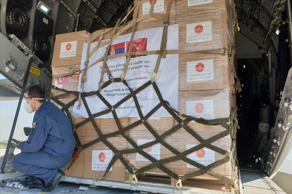 5 Balkan ülkesine gönderilen sağlık malzemelerinin teslimi başarıyla tamamlandı