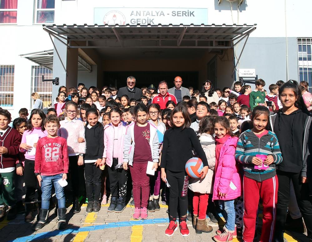Abdullah Avcı, Antalya'da öğrencilerle buluştu