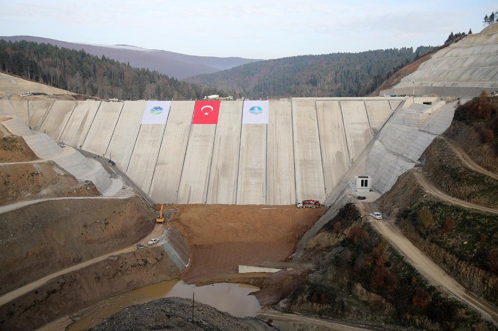 Akçay Barajında Su Tutulmaya Başlandı