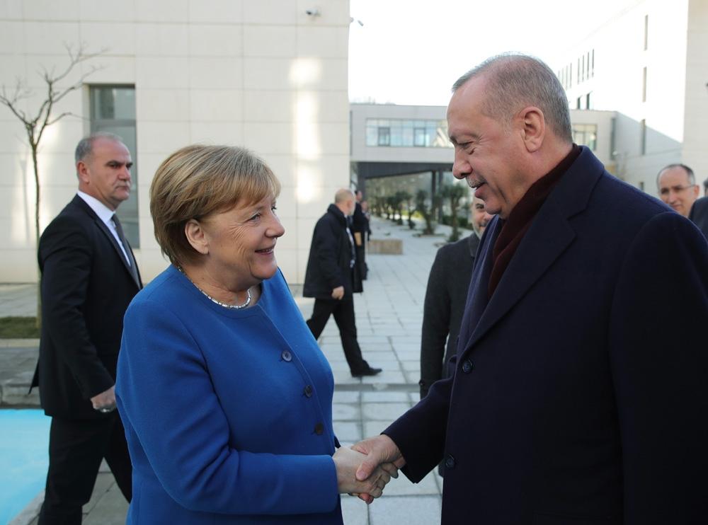 Almanya Başbakanı Merkel'den Türkiye'ye teşekkür