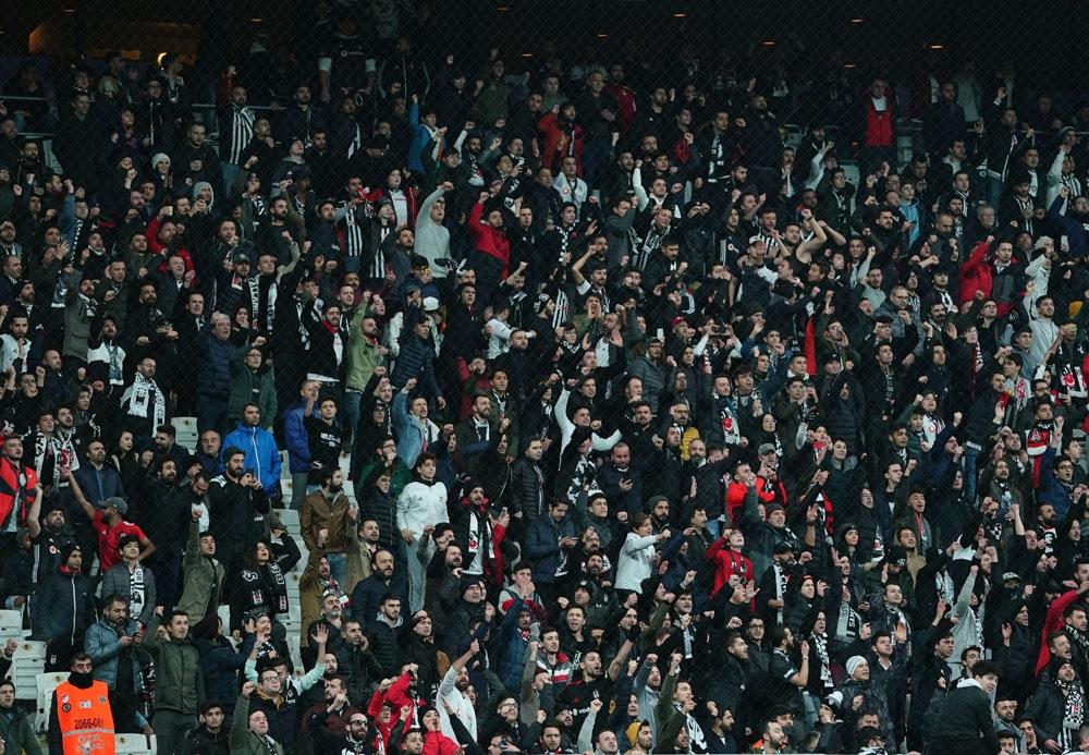 Avcı'ya tepki, Sivasspor'a alkış