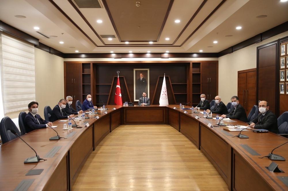 Bakan Albayrak, banka genel müdürleriyle görüştü