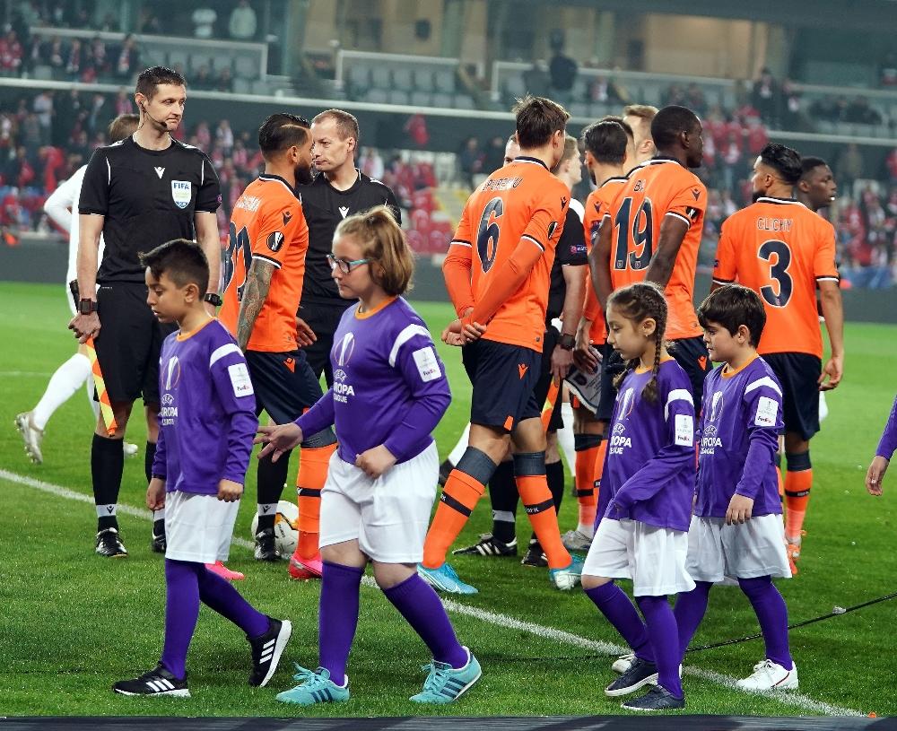 Başakşehir-Kopenhag maçında korona önlemleri!