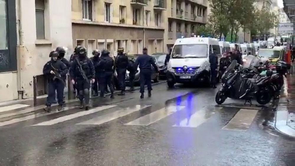 Charlie Hebdo'nun eski binasının bulunduğu bölgede bıçaklı saldırı : 4 yaralı