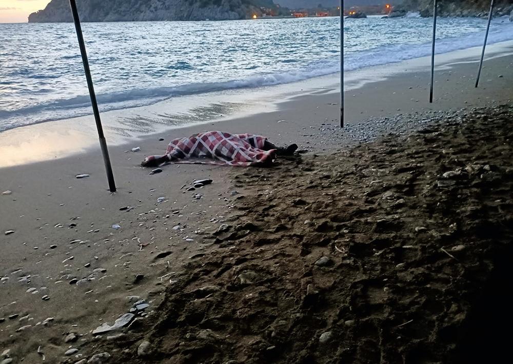 Datça'da kıyıya erkek cesedi vurdu