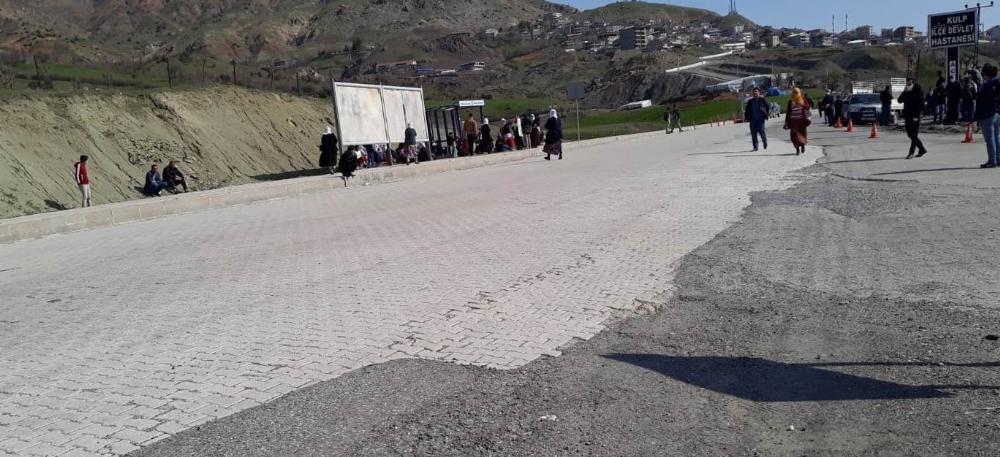 Diyarbakır'da teröristlerden hain saldırı: 2 sivil şehit