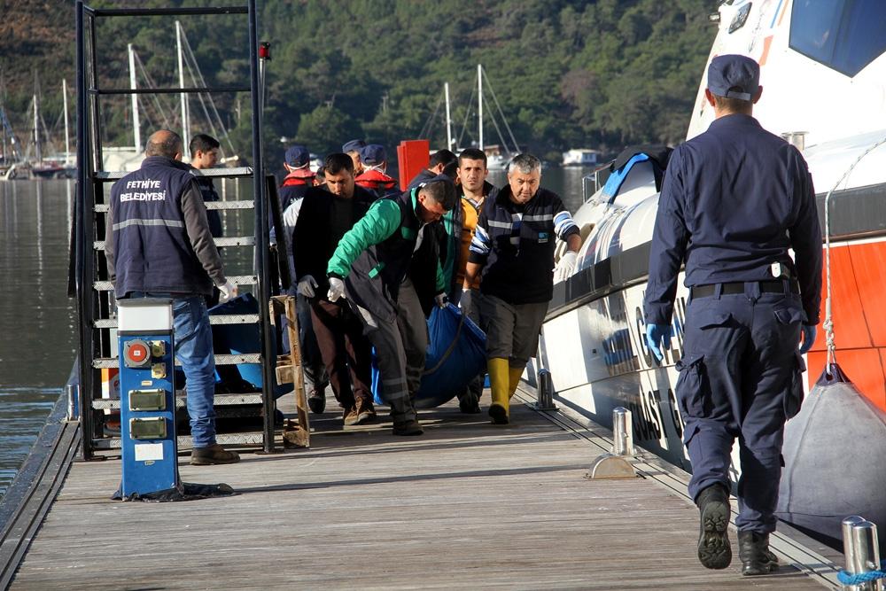 Düzensiz Göçmenlerin Cesetleri Kıyıya Taşındı