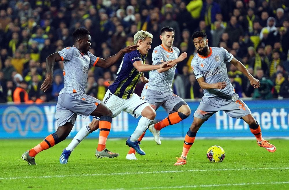 Fenerbahçe Başakşehir'i 2-0 yendi