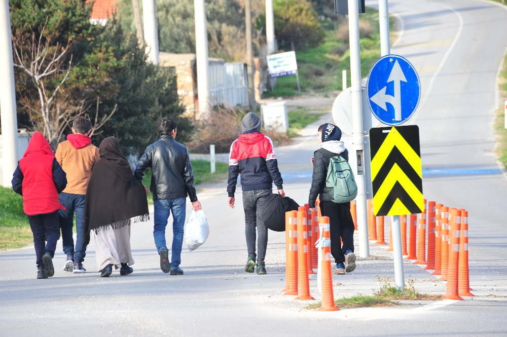 Göçmenler botla geçişi tercih etmedi, Edirne'ye yöneldi