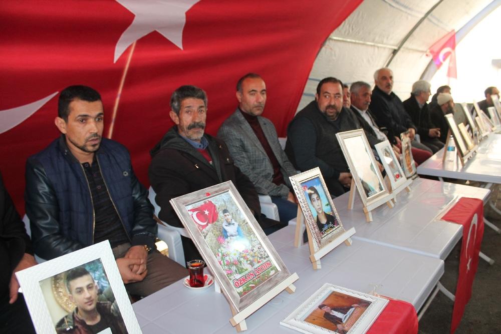 HDP önündeki ailelerin evlat nöbeti 175'inci gününde