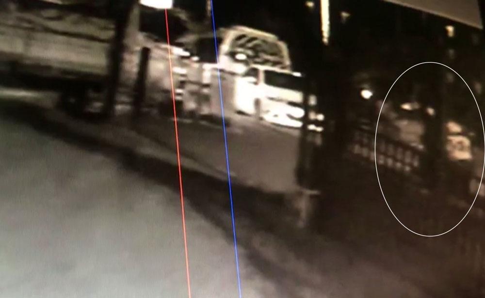 Hırsız, müşteri gibi yemek siparişi verdi, adrese gelen kuryenin motosikletini çaldı