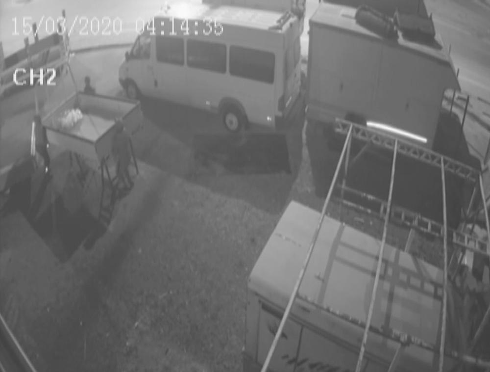 Hırsızlar hesaba katmadıkları 3. kameraya yakalandı