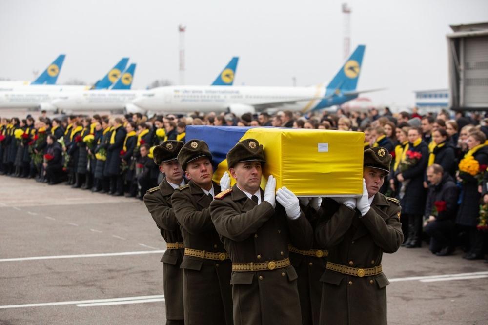 İran cenazeleri Ukrayna'ya teslim etti