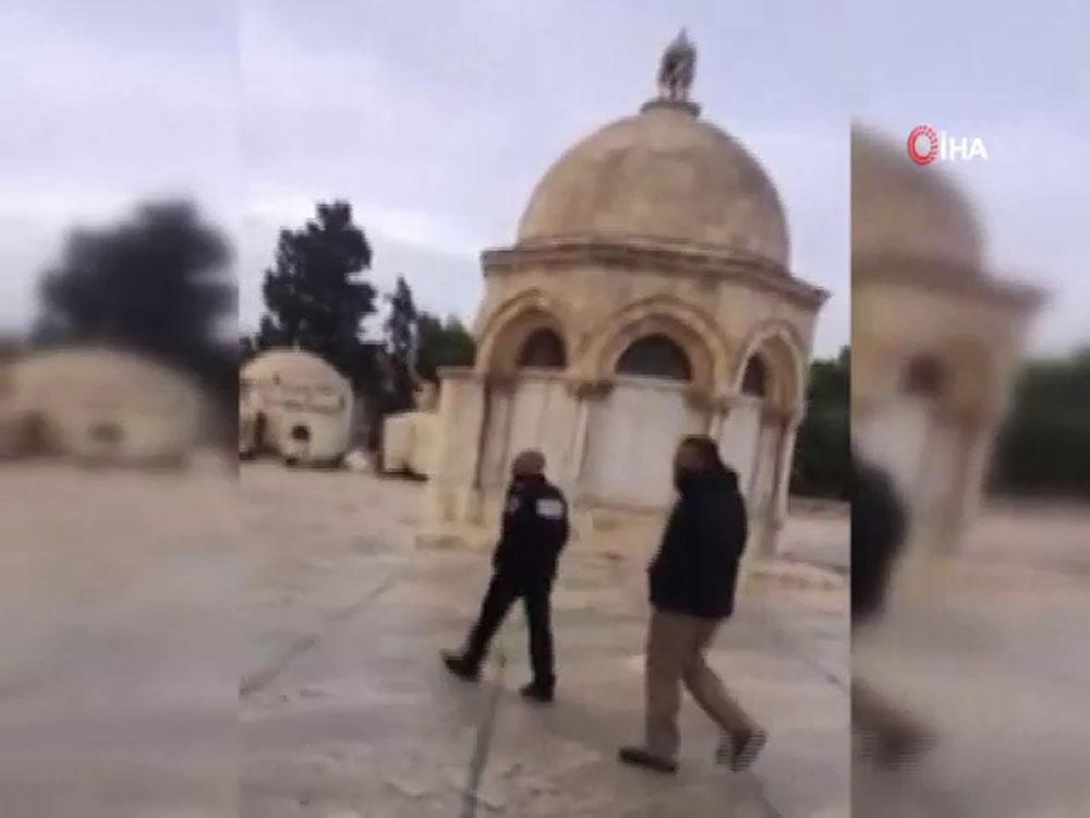 İsrail Askeri, Mescid-İ Aksanın Güvenlik Görevlisini Gözaltına Aldı
