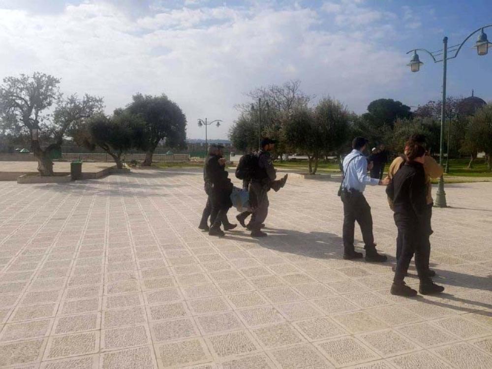 İsrail polisi Mescid-i Aksa'da İsrailli vekili gözaltına aldı