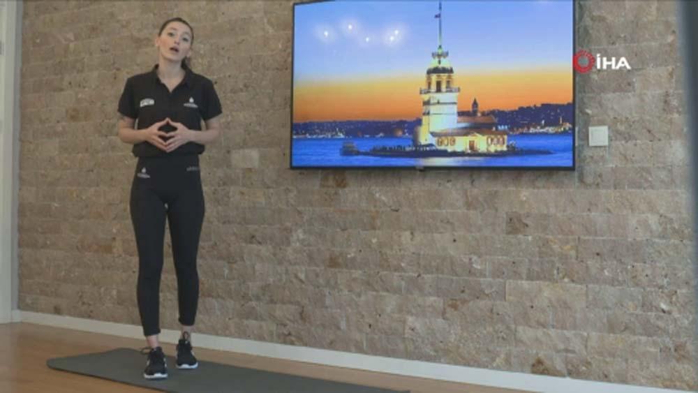 İstanbul evinde spor yapıyor