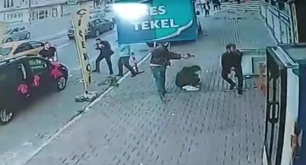 İstanbulda Sokak Ortasında Dehşet