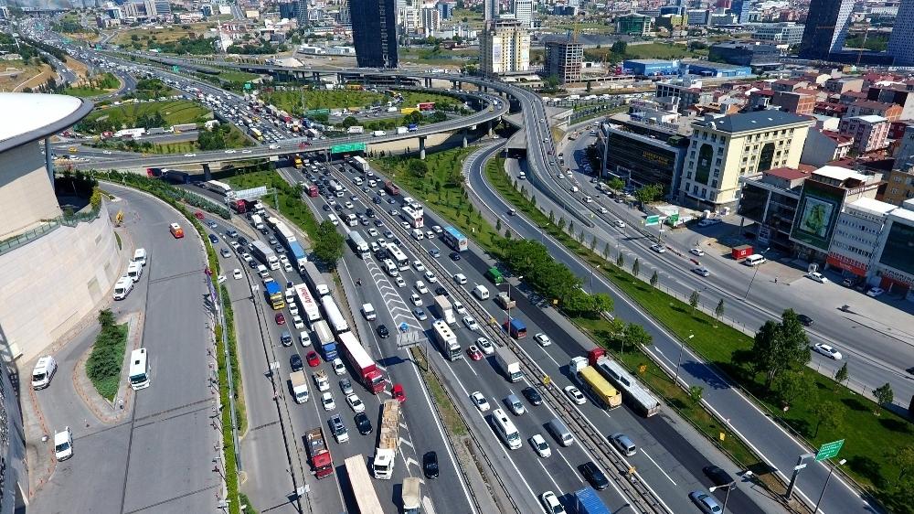 İstanbulda Yarın Bu Yollara