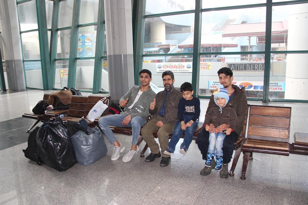 İzmir Otogarında göçmen hareketliliği