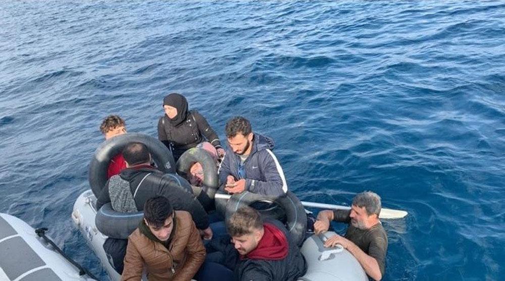 İzmirde 65 Kaçak Göçmen Yakalandı