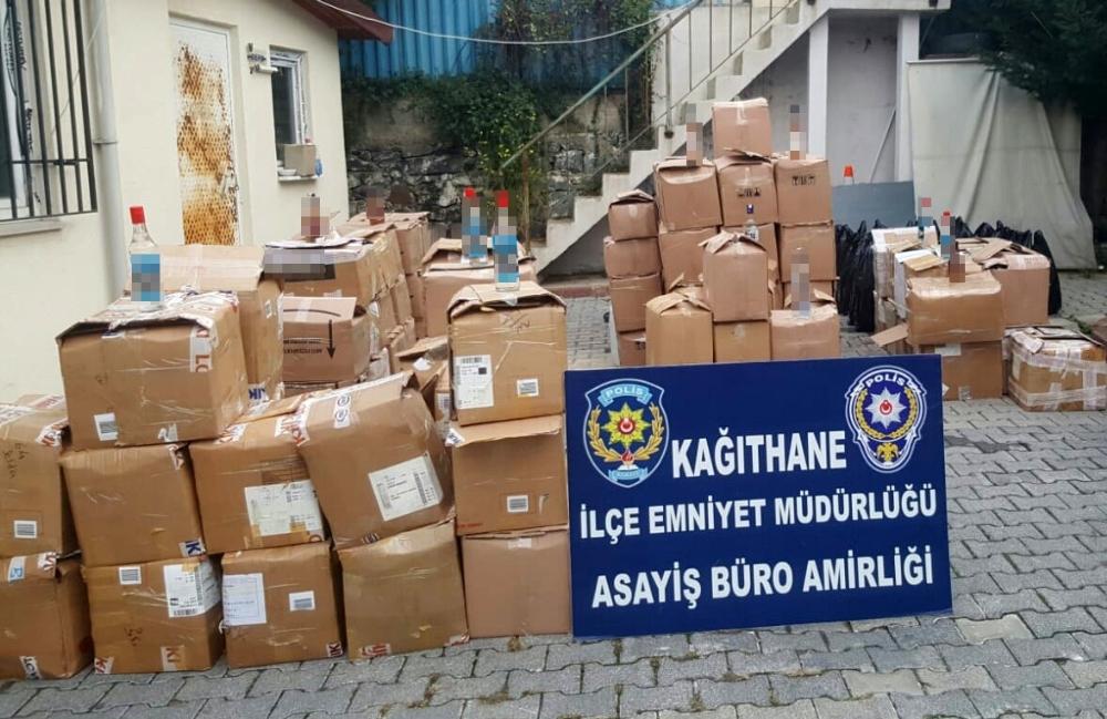 Kağıthanede Kaçak Alkol Satışı Yapanlara Operasyon: 2 Gözaltı
