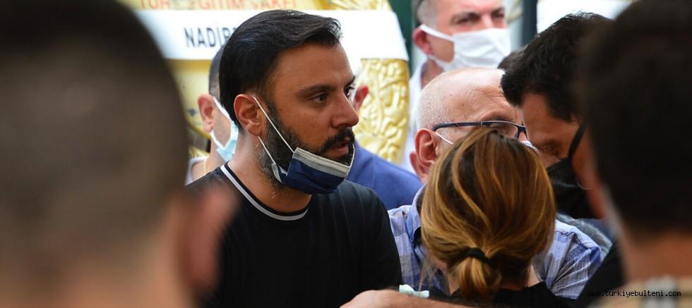 Kardeşini ve yeğenini kaybeden şarkıcı Alişan'dan flaş konser kararı