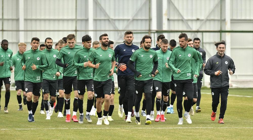 Konyaspor, Fenerbahçe hazırlıklarını sürdürüyor