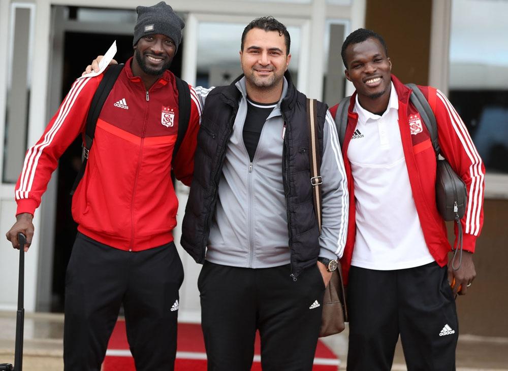 Lider Sivasspor, Kupa Maçı İçin İstanbula Gitti