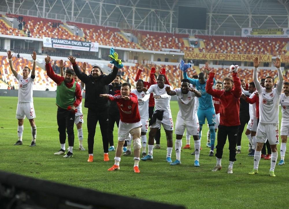 Lider Sivasspora 2 Gün İzin