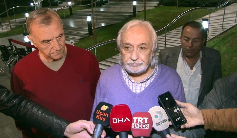 Müjdat Gezen Ve Mustafa Alabora, Yıldız Kenterin Hayatını Kaybettiği Hastaneye Geldi