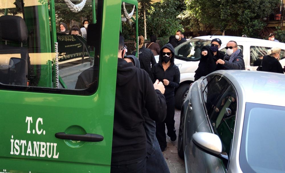 Nur Yerlitaş'ın cenazesi helallik alınmak üzere evine getirildi