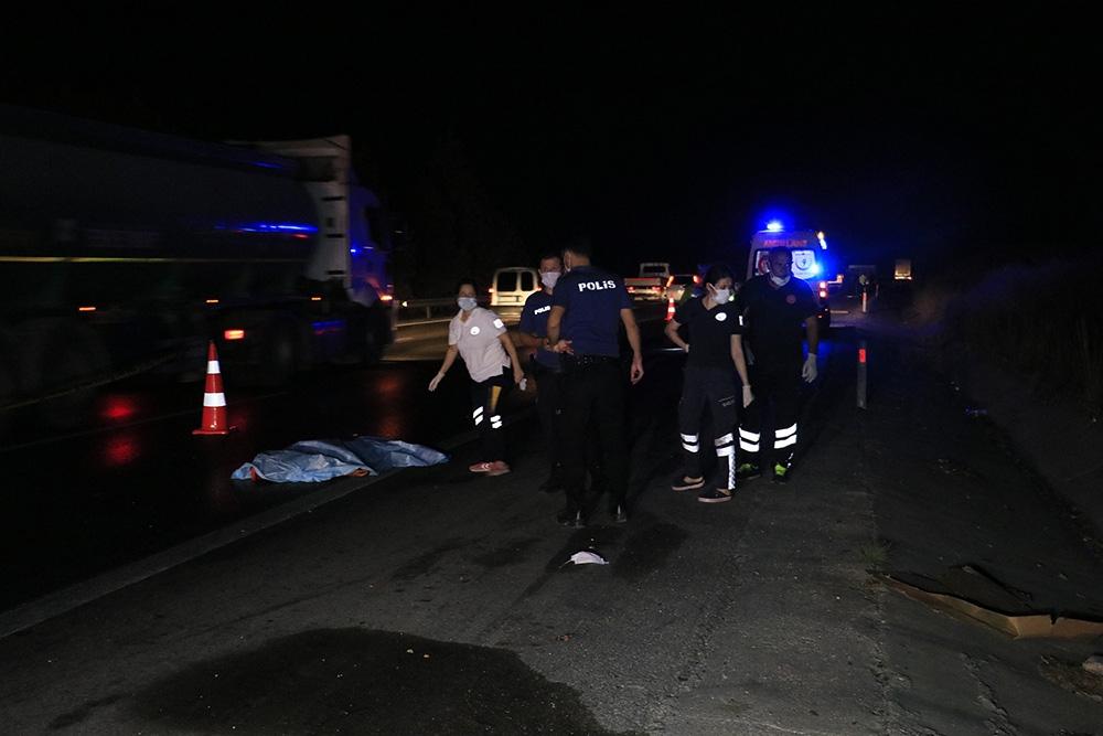 Otoyolda aracın çarptığı yaya öldü