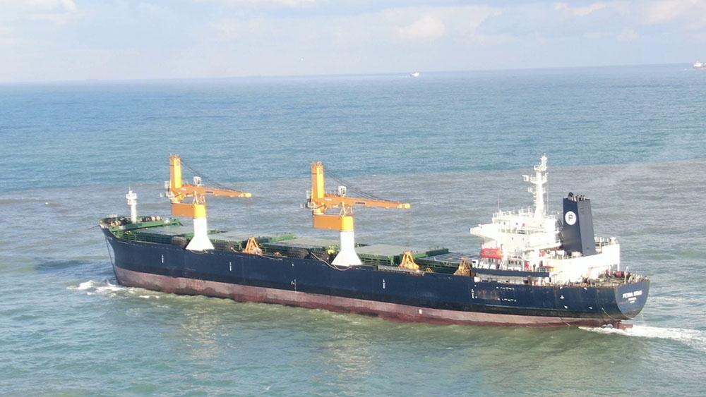 Riva önlerinde sürüklenen gemi ile ilgili valilikten açıklama