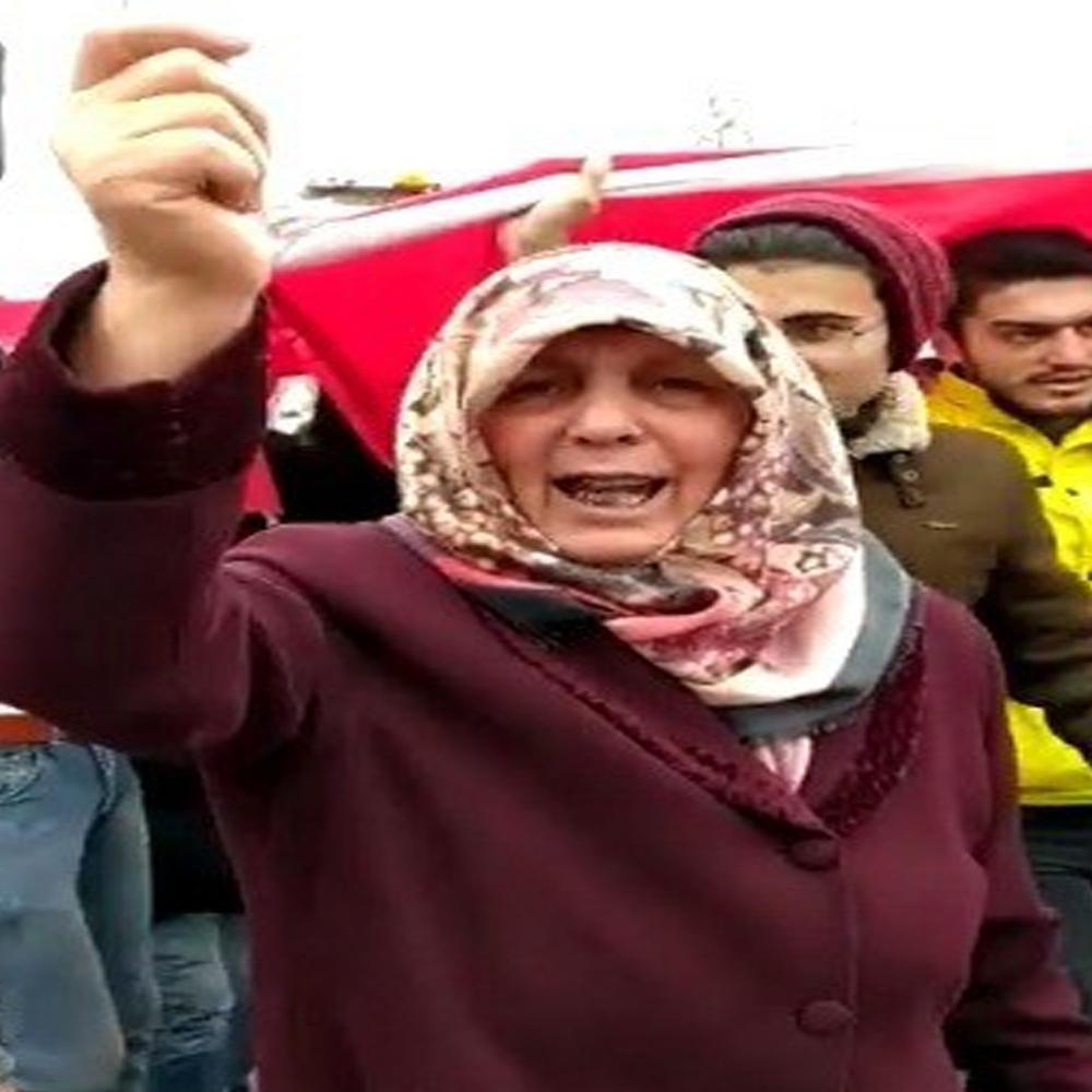 Şehit yürüyüşüne katılan kadının söyledikleri sosyal medyada yankı buldu