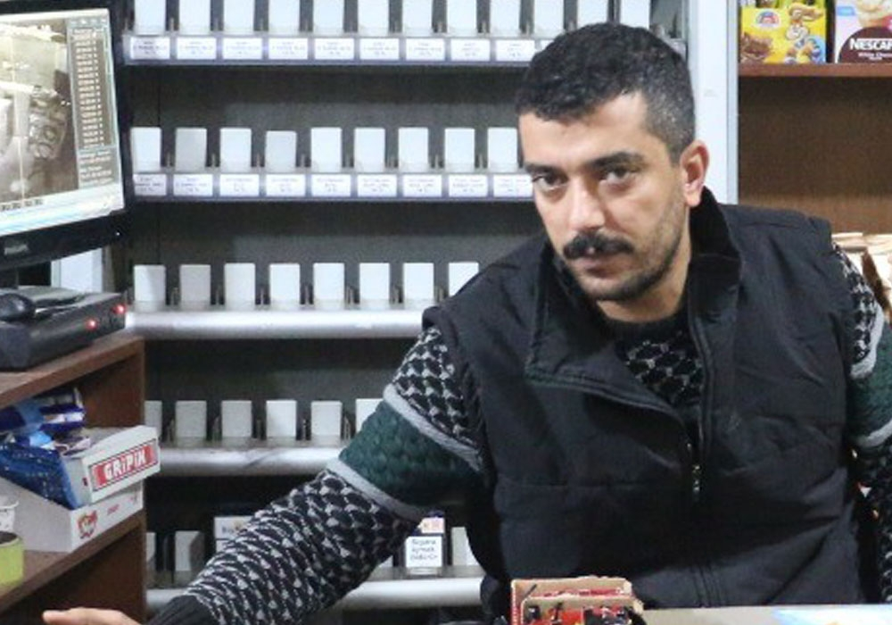 Siirtte Hırsızların Marketten Sigara Çaldığı Anlar Kamerada