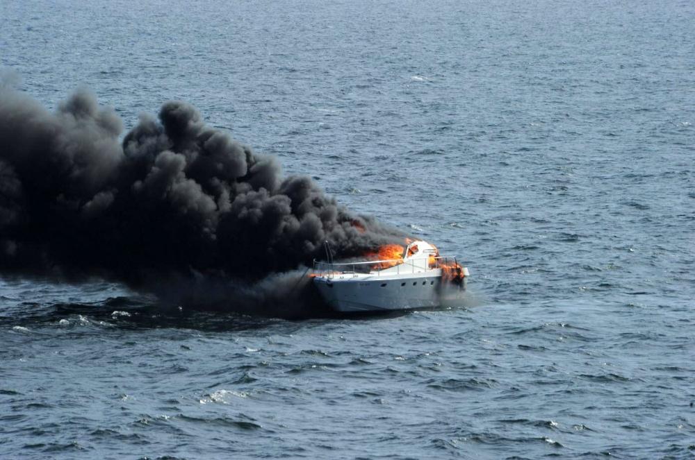 Silivri'deki yat yangınında yaralıları ABD savaş gemisi kurtarmış