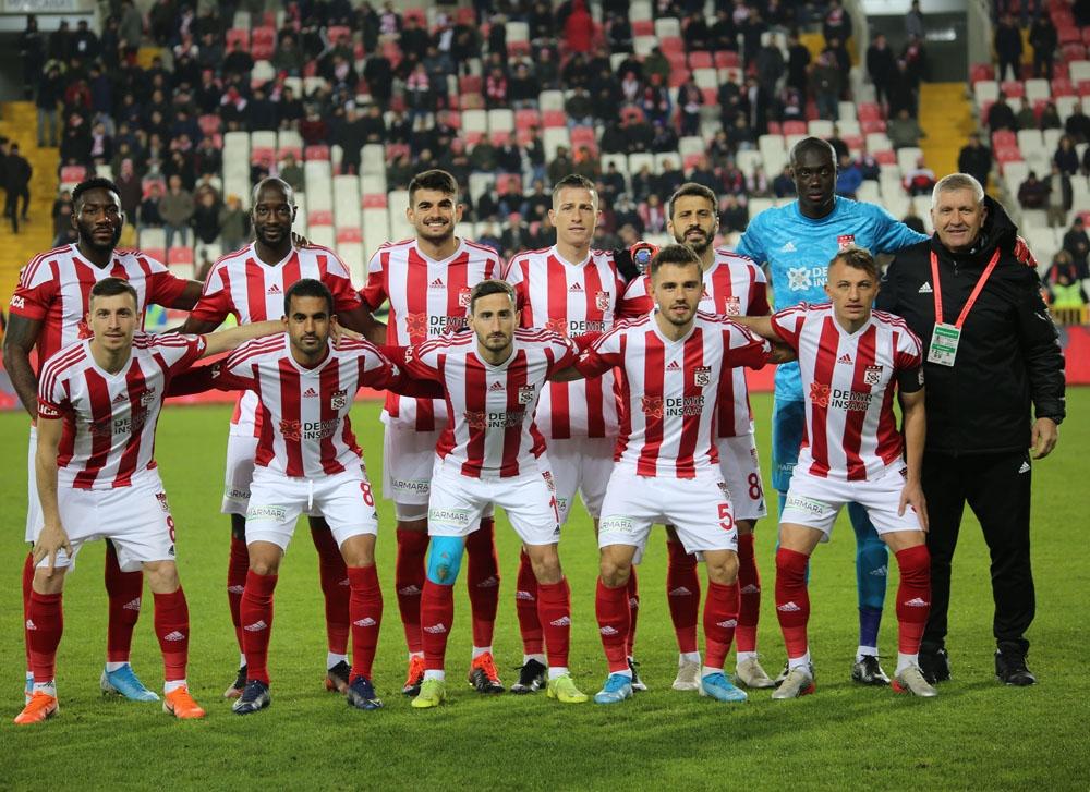 Sivasspor iki eksikle İstanbul'a gidiyor