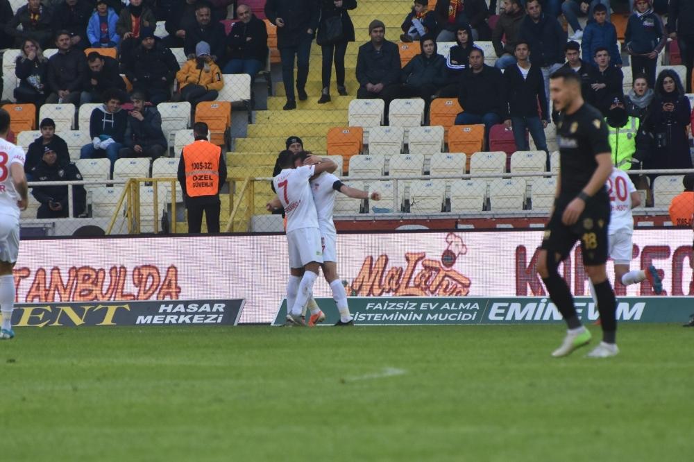 Sivasspor, Yeni Malatyasporu 3 Golle Geçti