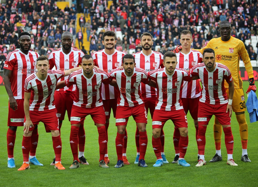 Sivassporda 4 Futbolcu Sarı Kart Sınırında