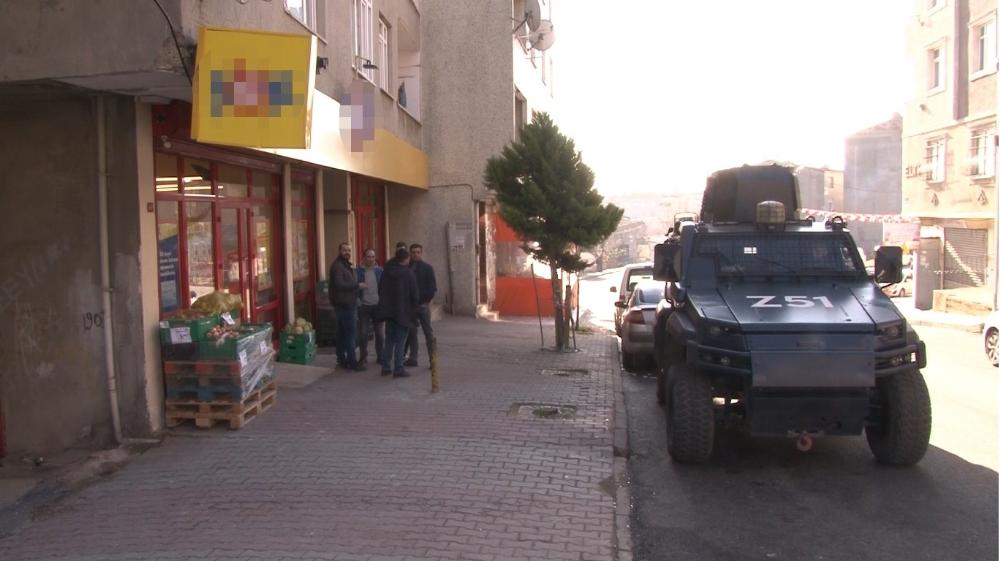 Sultangazi'de silahlı market soygunu