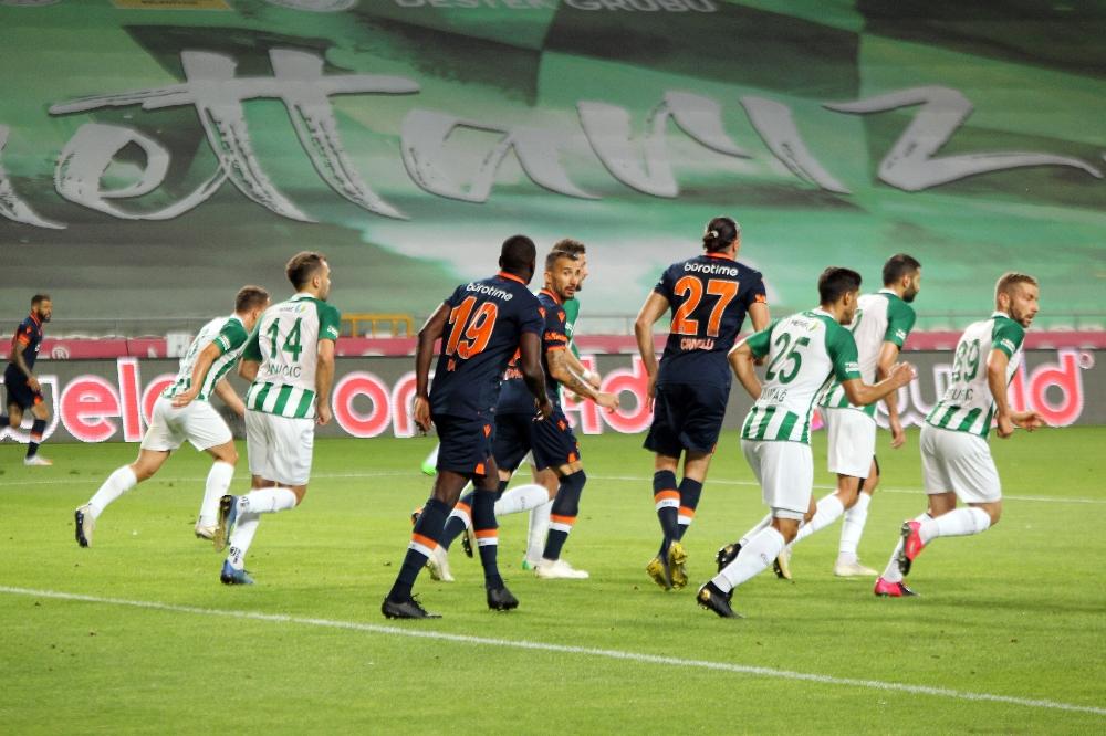 Süper Lig: Konyaspor: 4 - M.Başakşehir: 3 (Maç sonucu)