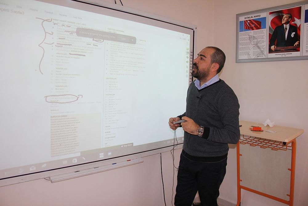 Türkçe konuşamıyordu, şimdi edebiyat öğretmeni