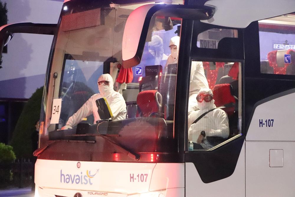 Türkiye'deki Cezayirli vatandaşlar ülkelerine döndü