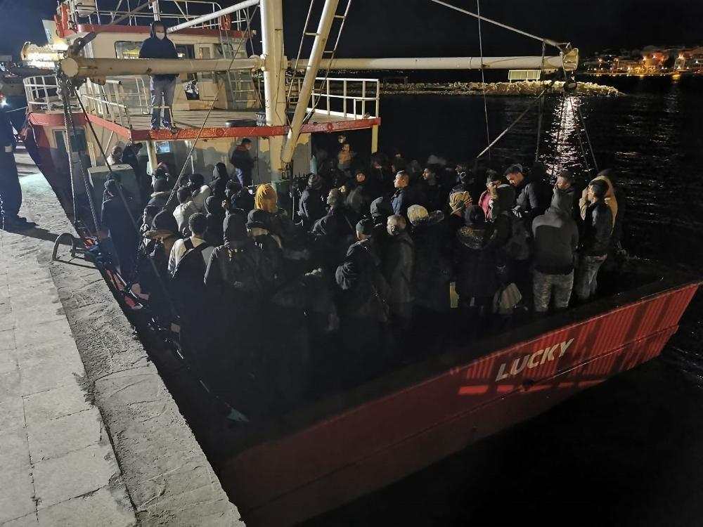 Urla'da 125 sığınmacı yakalandı
